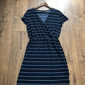 GENTLY WORN BANANA REPUBLIC DRESS SIZE L blue